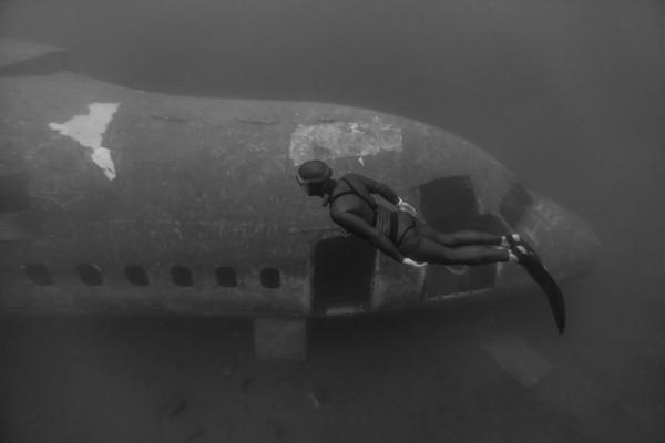 Затонувший самолет в озере на Англо-уэлльской границе