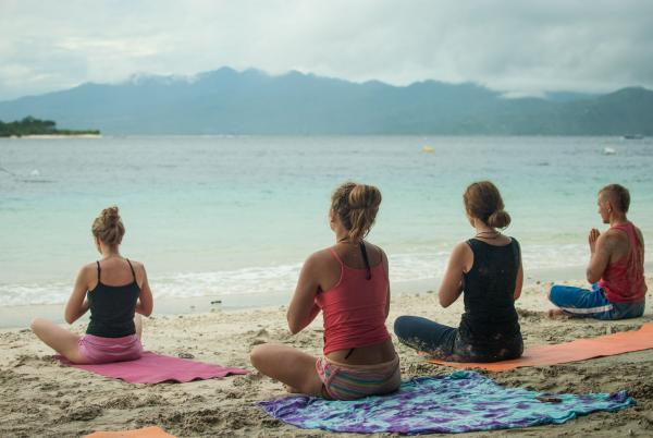Йога с Леной Море
