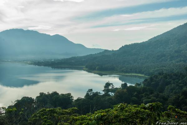 о. Бали, озеро Братан