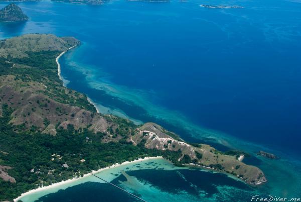 Остров Флорес из самолета
